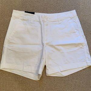 Gap City shorts white size 6 NWT